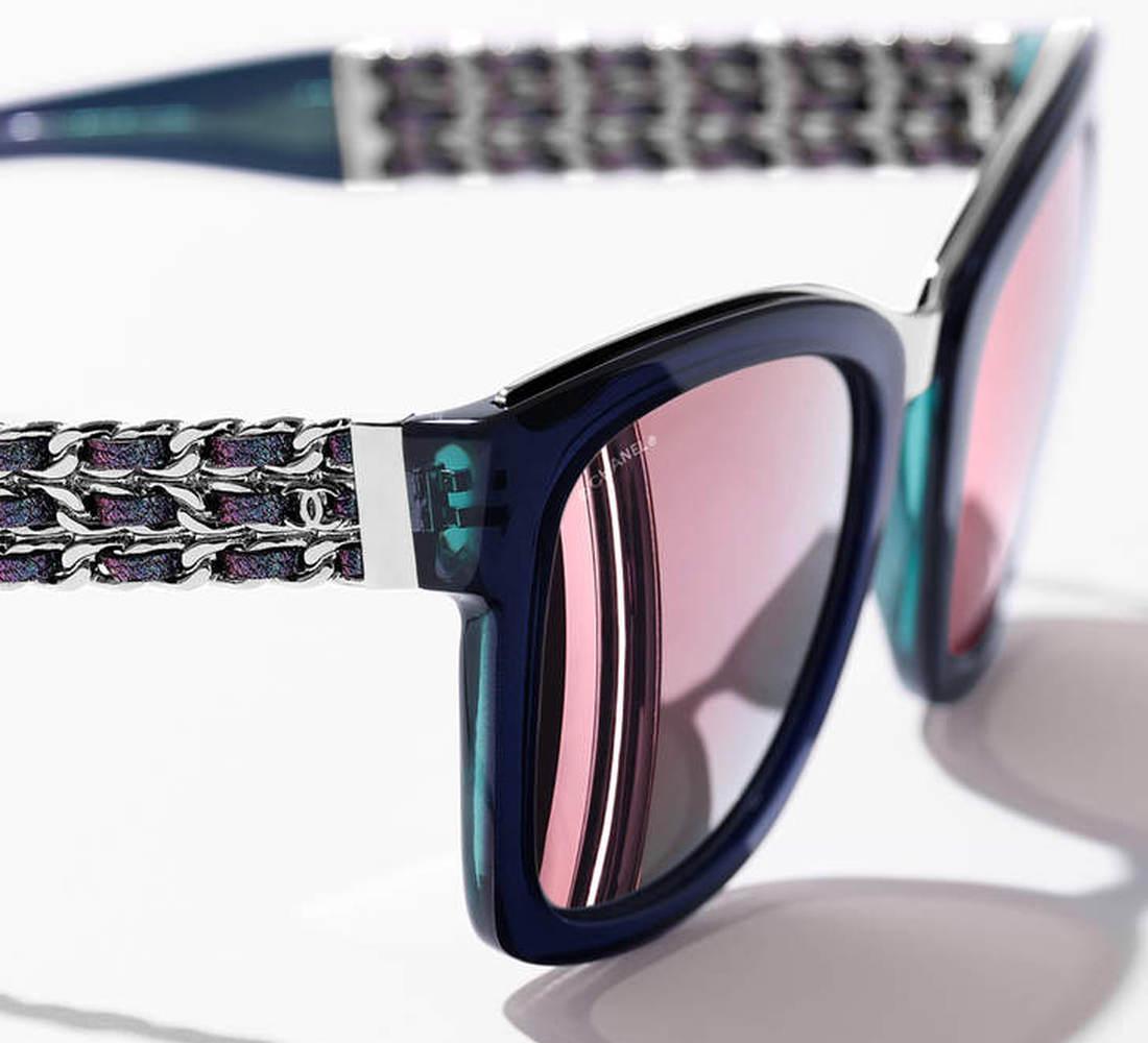 48c549f58fd153 Prestige Chanel zonnebrillen en dé ketting
